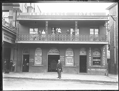 W Wells residence and Temperance Hotel, Perkins Street, Newcastle, NSW, 1892-1893