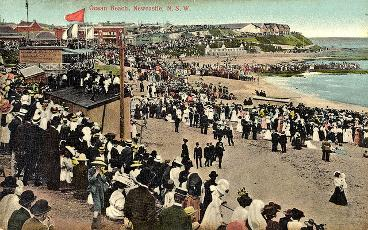 Crowd at Newcastle Beach, NSW [c.1900's]